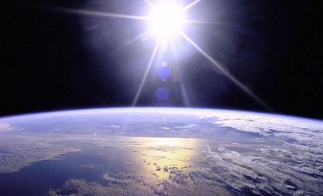 """Ile jeszcze zostało nam lat na Ziemi? Nowe wyliczenia odsuwają w czasie """"koniec ludzkości"""""""