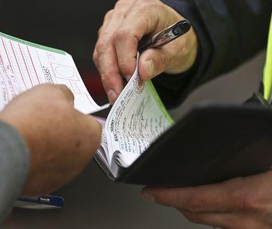 Dwutygodniowy okres ma ułatwić terminowe wywiązanie się z obowiązku uiszczenia mandatu.