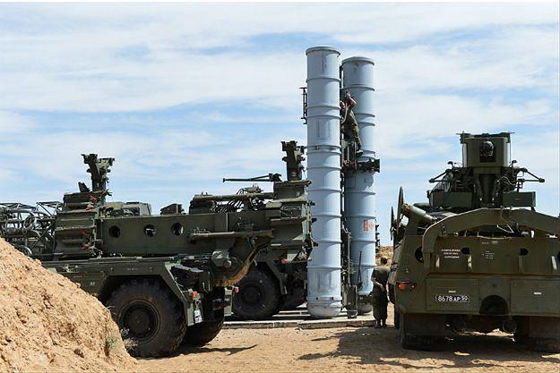 Iran rozmieszcza rosyjskie rakiety S-300 wokół obiektu nuklearnego Fordo