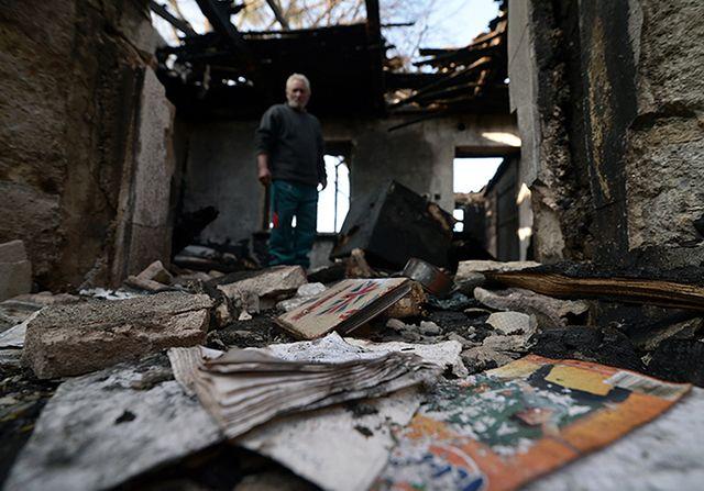 Zabrali im dziecko, bo stracili dom w pożarze - zdjęcia