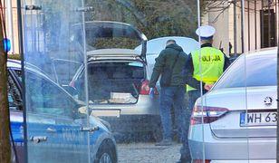 Samochód 36-latka przed bramą Pałacu Prezydenckiego