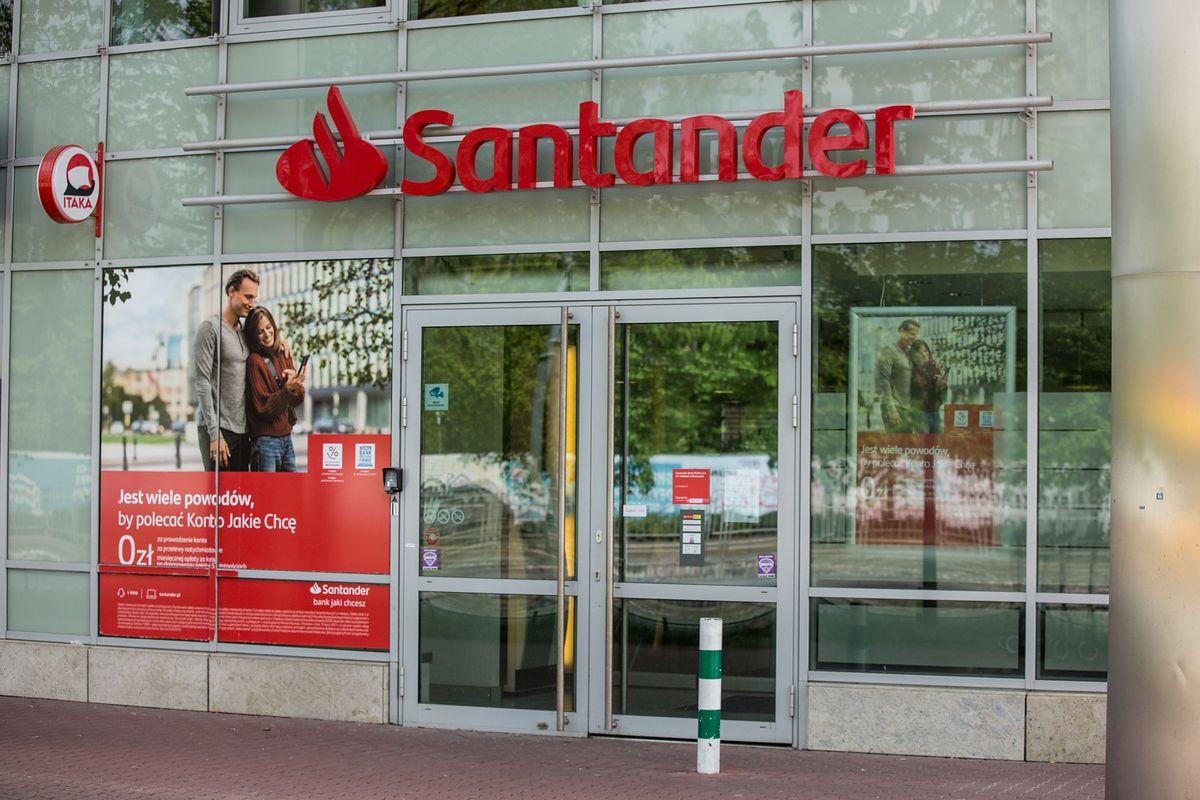 Klienci Santandera nie mogą się w piątkowe południe dostać do swoich pieniędzy za pośrednictwem bankowości mobilnej