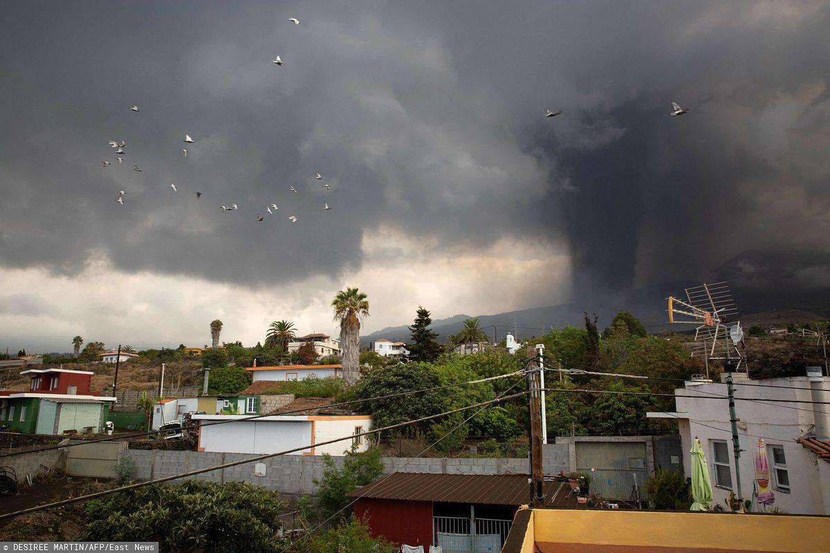 Z powodu erupcji wulkanu Cumbre Vieja ewakuowano kolejnych mieszkańców wyspy La Palma