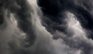 """Niż """"Gislinde"""" odpowiadał za oberwanie chmury w Warszawie"""