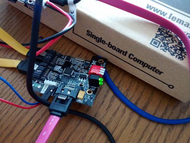 Kontroler RAID oparty o układ MM-JMB390-2IR