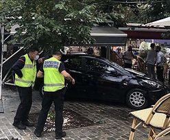 """Auto wjechało w restaurację pod Paryżem. """"Nic nie mówiła, tylko płakała"""""""