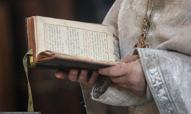 Grecja. Prawosławny ksiądz oblał siedmiu biskupów kwasem