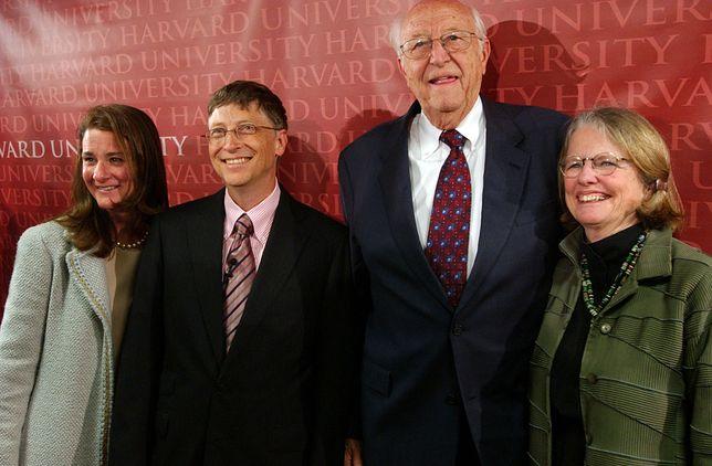 Od lewej: Melinda Gates, Bill Gates, Bill Gates Sr., Mimi Gardner Gates.