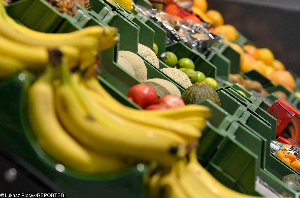 Samotne banany i zgniecione pomidory w pudełku-niespodziance. Lidl ma ciekawy pomysł na walkę z marnowaniem jedzenia