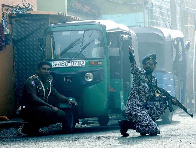 Żołnierze Sri Lanki w stolicy podczas poszukiwania kolejnych bomb