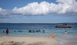Zanzibar walczy z roznegliżowanymi turystami. Politycy sprytnie to rozegrali