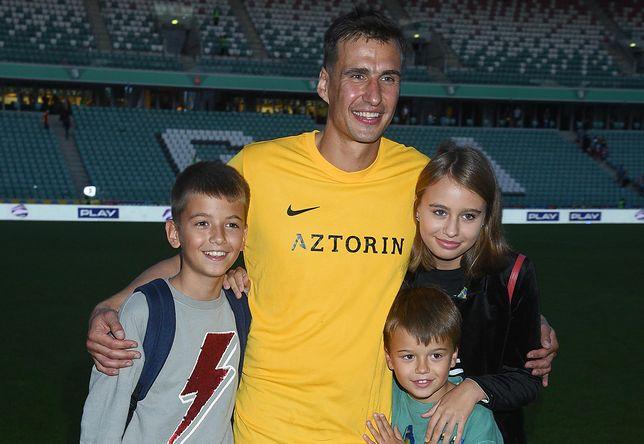 Jarosław Bieniuk z dziećmi