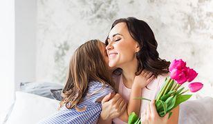 Dzień Matki 2019 – wyjątkowe wierszyki, rymowanki i życzenia na Dzień Mamy