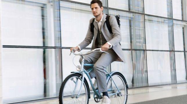 """Rowerem do pracy? Niestety, często wciąż """"pod górkę""""!"""