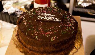 """Cukiernia nie chciała napisać """"wesołych świąt"""" na torcie. Ze względów religijnych"""