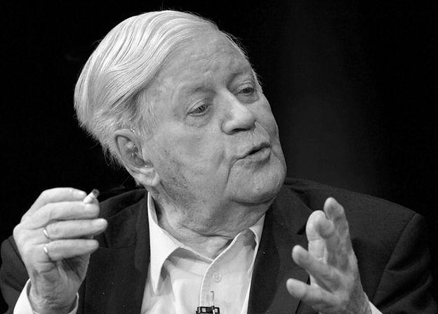 Nie żyje były kanclerz Niemiec Helmut Schmidt