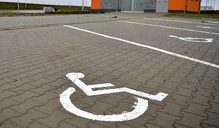 Nowe karty parkingowe dla niepełnosprawnych