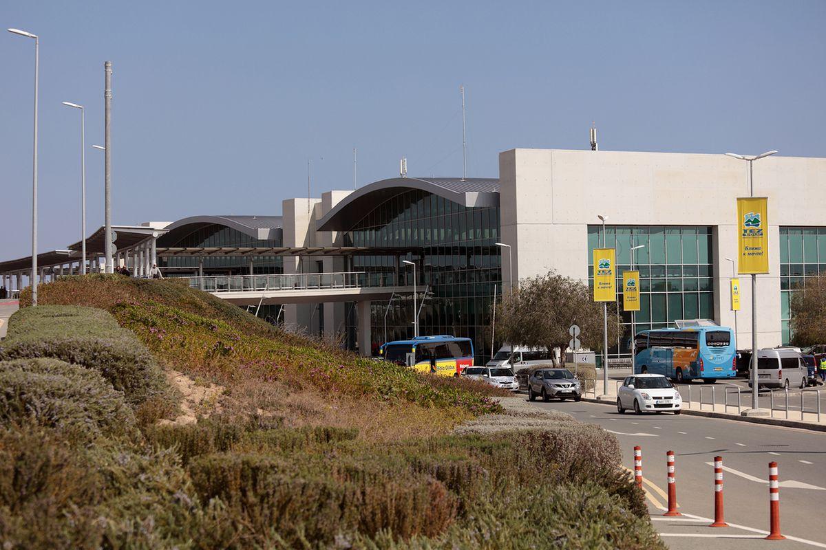 Lotnisko Larnaka (LCA). Jak dojechać do centrum miasta?