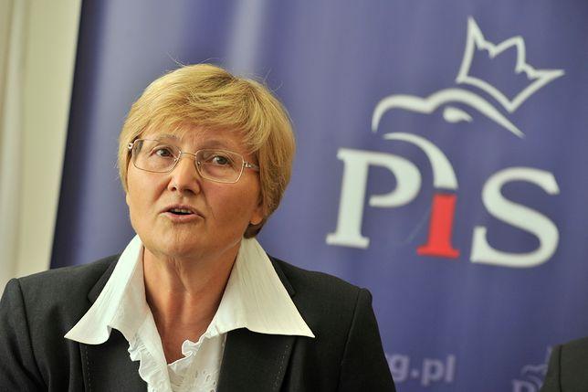 Józefa Hrynkiewicz jako kandydatka PiS podczas kampanii wyborczej w 2011 roku.