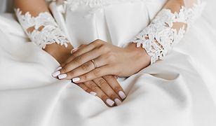 Paznokcie ślubne 2021. Jakie wzory są najmodniejsze?