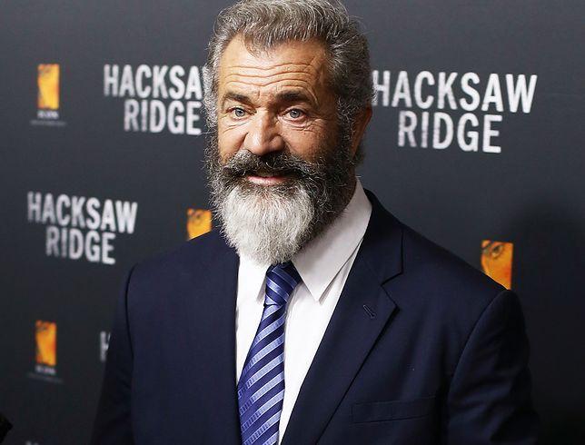 """Mel Gibson podczas premiery filmu """"Przełęcz ocalonych"""" w Sydney"""