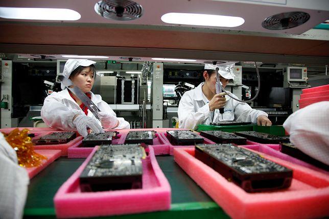 Chińskie fabryki przestawiają się na walkę z wirusem