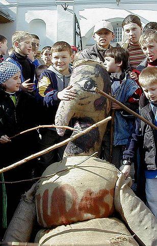 """""""Sąd na Judaszu"""", który odbył się w Pruchniku w 2002 r."""