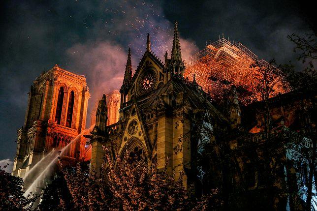 Orange Polska przeznaczy 100 tys. zł na odbudowę Notre Dame. Suma może być jeszcze większa