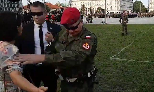 Scena wydarzyła się podczas obchodów Święta Weterana