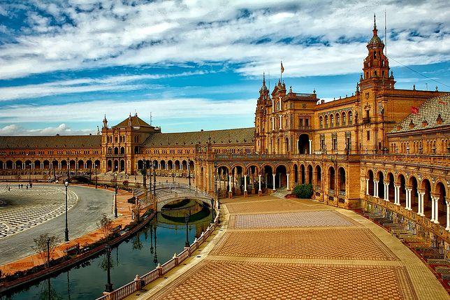 Plac Hiszpański w Sewilli, stolicy Andaluzji, w południowej Hiszpanii