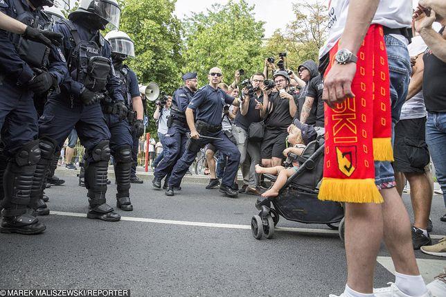 """Narodowcy przyszli na marsz """"bronić dzieci przed LGBT"""""""