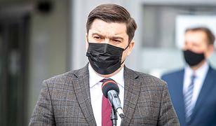 Koronawirus w Polsce. Sytuacja się poprawia. Rząd wygasza szpitale tymczasowe