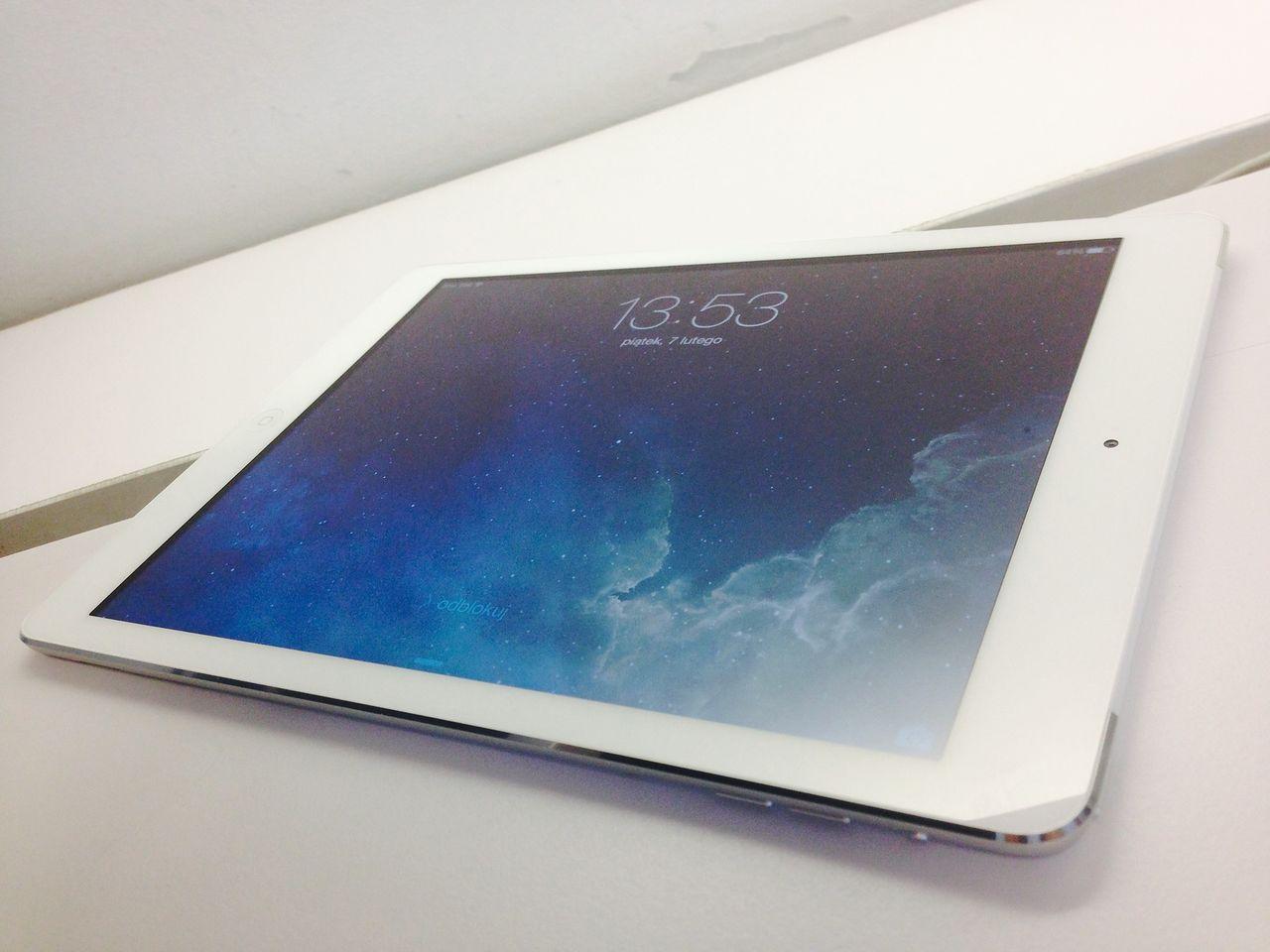 iPad Air - Love Is In The Air