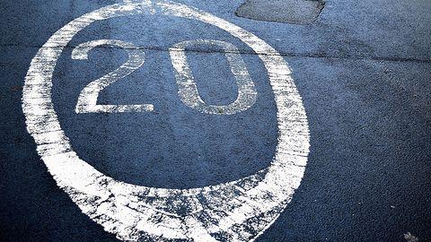 Kto zapłaci za łamanie przepisów przez autonomiczny samochód?