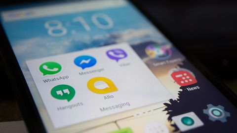 Android Messages: Google powalczy z komunikatorami wiadomościami RCS