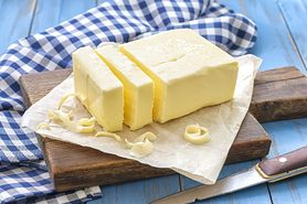 Przechowywanie masła. Wyjmij je z lodówki