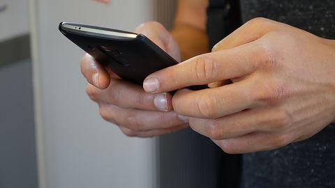 SMS z informacją o dezaktywacji numeru telefonu? Od razu usuń go z telefonu