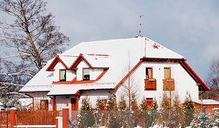 Osiadanie budynku, wilgoć w domu - co się dzieje po przeprowadzce do nowego domu?