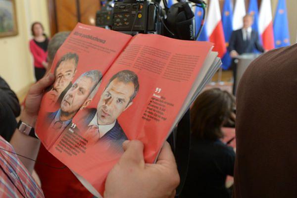 Rosyjska gazeta drwi z afery podsłuchowej