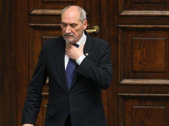 Antoni Macierewicz doniósł na Tomasz Piątka do prokuratury