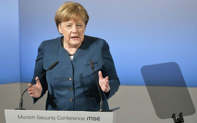 """Mocne słowa Erdogana o Niemczech i Holandii. """"Kanclerz Merkel wspiera terrorystów"""""""