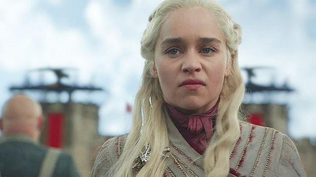 """""""Gra o tron"""": z finałowego sezonu usunięto kilka scen. Mogły lepiej pokazać przemianę Dany w Szaloną Królową"""