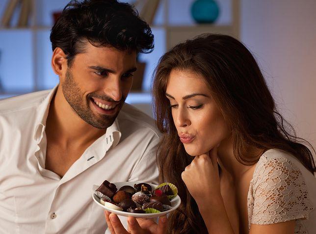 Wspólne jedzenie czekolady zbliża