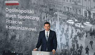 Morawiecki znów zdumiewa. Premier chce odkłamywać historię, w Sieci wrze