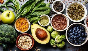 Jak wybierać owoce i warzywa? Z naszym poradnikiem podejmiesz właściwe decyzje