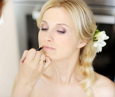 Makijaż ślubny. Najmodniejszy sposób na malowanie ust