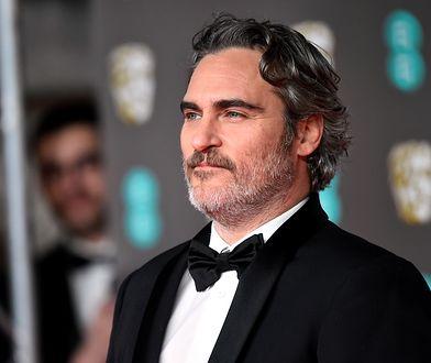 Joaquin Phoenix na gali BAFTA.