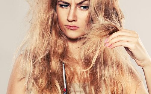 Na zniszczone włosy pomaga m.in. olejowanie