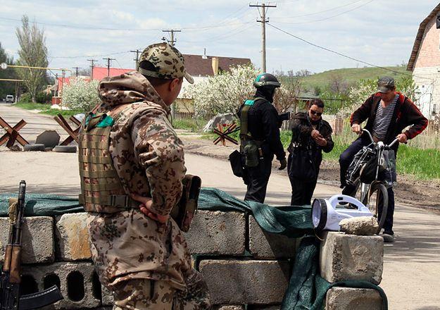 Posterunek ukraińskiej armii na przedmieściach Mariupola