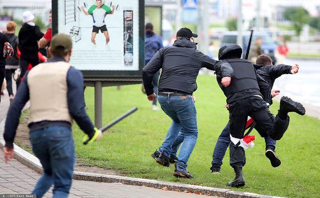 """Białoruś. """"Marsz jedności"""" brutalnie tłumiony przez milicję"""
